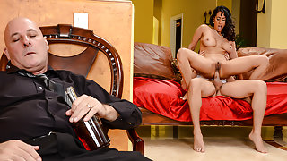 Isis Love & Xander Corvus in The Marriage Counselor - Brazzers