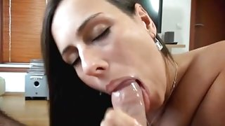 CZECH AMATEUR Mea Melone Blowjob  on webcam