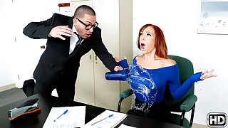 Dani Jensen & Peter Green in My Nerdy Assistant - MilfHunter
