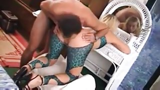 Green leopard spandex french milf ass filled in threesome