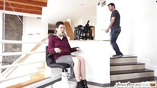 BTS of Lily Labeau